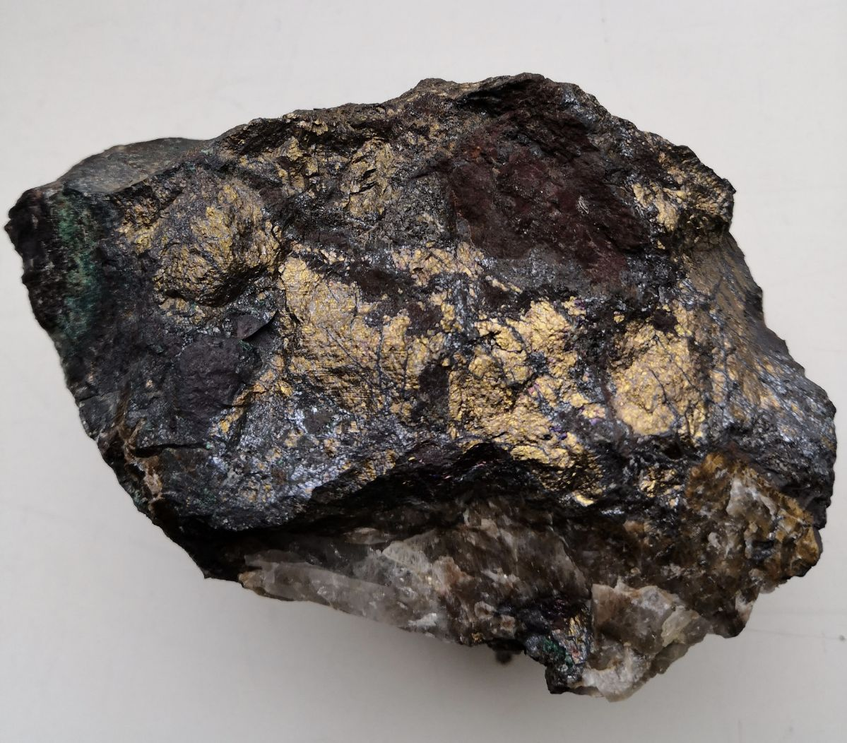 Sample DWGRR001: 15.84% Cu and 0.58g/t Au from artisanal working in Dongwe licence 22562.